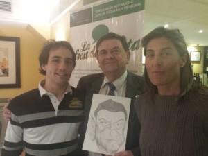 El rector de Zaz con su caricatura realizada por Jorge Calonge alumno de Bellas Artes